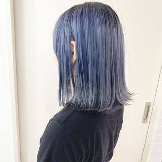 ダブルカラー ミディアム 透け感 ブルー ヘアスタイルや髪型の写真・画像