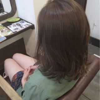 ブルーアッシュ イノセントカラー グレージュ ボブ ヘアスタイルや髪型の写真・画像