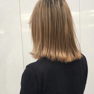 ブリーチ ブリーチカラー ミディアム ホワイトグレージュ ヘアスタイルや髪型の写真・画像