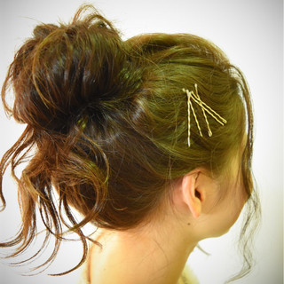 メッシーバン ゆるふわ 春 愛され ヘアスタイルや髪型の写真・画像 ヘアスタイルや髪型の写真・画像