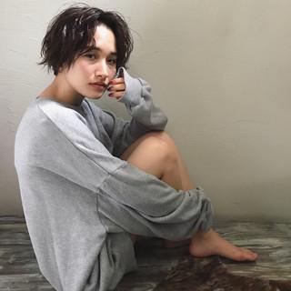 アンニュイ ショート 外国人風 パーマ ヘアスタイルや髪型の写真・画像