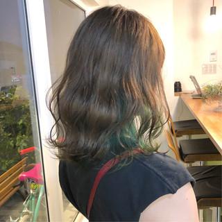 インナーグリーン ストリート ミディアム ミルクティーベージュ ヘアスタイルや髪型の写真・画像
