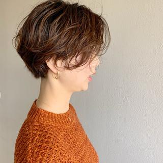 ゆるふわパーマ ショート パーマ ナチュラル ヘアスタイルや髪型の写真・画像