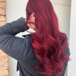 ブリーチオンカラー チェリーピンク チェリーレッド ロング ヘアスタイルや髪型の写真・画像