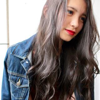 ロング 外国人風カラー ウェーブ エレガント ヘアスタイルや髪型の写真・画像