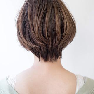 ハンサムショート 大人カジュアル シンプルボブ ショート ヘアスタイルや髪型の写真・画像