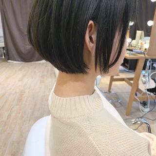 ショートヘア インナーカラー ナチュラル ショートボブ ヘアスタイルや髪型の写真・画像