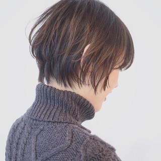 モード オフィス グラデーションカラー アウトドア ヘアスタイルや髪型の写真・画像