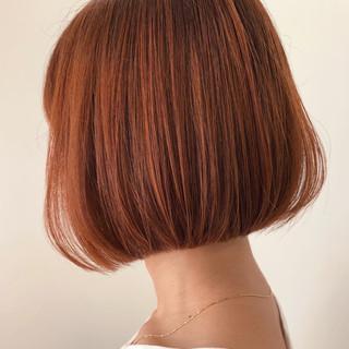 ミニボブ バレイヤージュ 簡単スタイリング 切りっぱなしボブ ヘアスタイルや髪型の写真・画像
