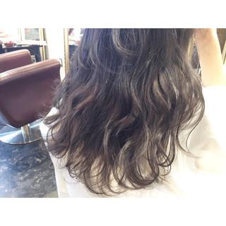 アッシュ ロング 透明感 暗髪 ヘアスタイルや髪型の写真・画像