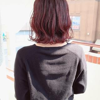 ヘアアレンジ 赤髪 外ハネボブ 波巻き ヘアスタイルや髪型の写真・画像