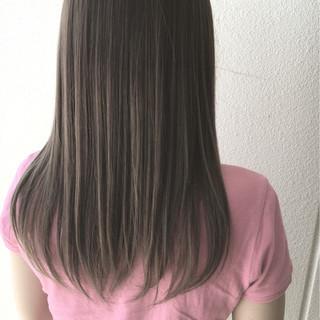 セミロング グラデーションカラー ハイライト グレージュ ヘアスタイルや髪型の写真・画像