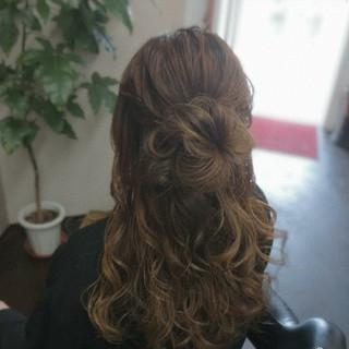 ヘアアレンジ セミロング ガーリー ふわふわヘアアレンジ ヘアスタイルや髪型の写真・画像