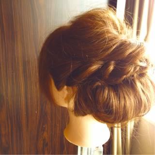 編み込み ねじり ヘアスタイルや髪型の写真・画像