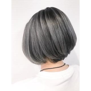 黒髪 グレージュ ストリート ブリーチ必須 ヘアスタイルや髪型の写真・画像