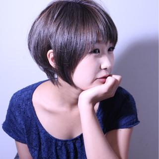 外国人風 ナチュラル 大人かわいい グレージュ ヘアスタイルや髪型の写真・画像