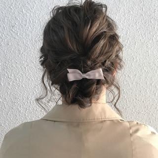 ミディアム 結婚式 謝恩会 ヘアアレンジ ヘアスタイルや髪型の写真・画像