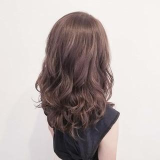 ハイライト エフォートレス フェミニン オフィス ヘアスタイルや髪型の写真・画像 ヘアスタイルや髪型の写真・画像