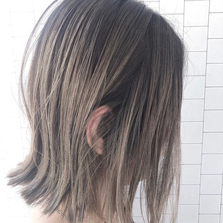 イルミナカラー ストリート バレイヤージュ ボブ ヘアスタイルや髪型の写真・画像