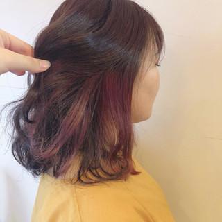 ピンク インナーカラー フェミニン ベリーピンク ヘアスタイルや髪型の写真・画像