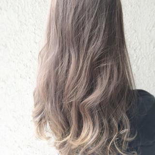 グラデーションカラー ロング ハイライト アッシュ ヘアスタイルや髪型の写真・画像