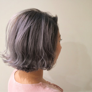 切りっぱなし デート グレージュ ボブ ヘアスタイルや髪型の写真・画像