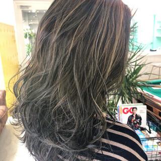 ハイライト モード コントラストハイライト グレージュ ヘアスタイルや髪型の写真・画像