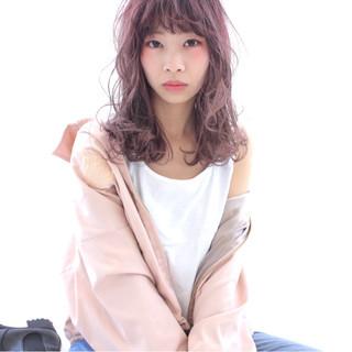 ピンクアッシュ ピンク 前髪あり フェミニン ヘアスタイルや髪型の写真・画像