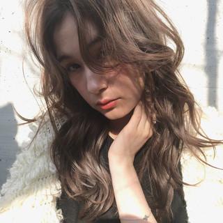 イルミナカラー ロング デジタルパーマ アンニュイほつれヘア ヘアスタイルや髪型の写真・画像 ヘアスタイルや髪型の写真・画像