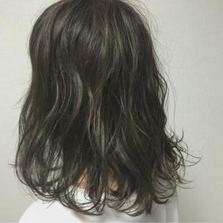 ナチュラル アッシュ 外国人風 暗髪 ヘアスタイルや髪型の写真・画像