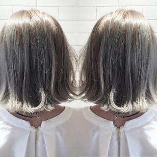 ショート ブリーチ イルミナカラー モード ヘアスタイルや髪型の写真・画像