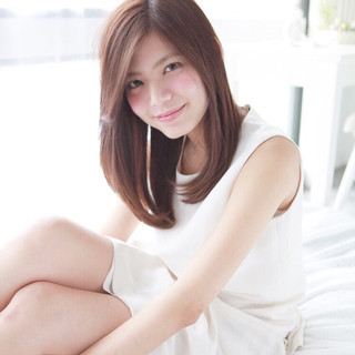 フェミニン 色気 大人かわいい セミロング ヘアスタイルや髪型の写真・画像 ヘアスタイルや髪型の写真・画像