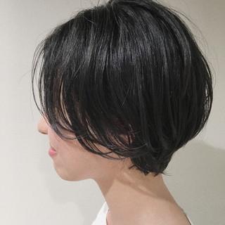 ナチュラル モード くせ毛風 大人女子 ヘアスタイルや髪型の写真・画像