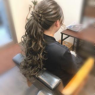 ポニーテール ヘアセット ロング ねじり ヘアスタイルや髪型の写真・画像