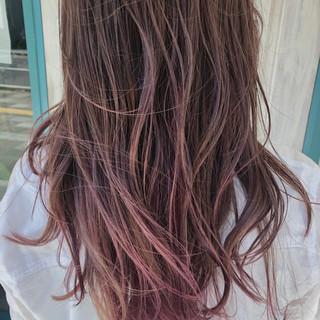 外国人風 ロング ヘアアレンジ ピンク ヘアスタイルや髪型の写真・画像