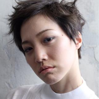 外国人風 ショート 黒髪 パーマ ヘアスタイルや髪型の写真・画像