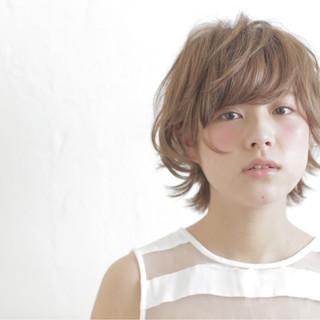 ショート ガーリー パーマ フェミニン ヘアスタイルや髪型の写真・画像