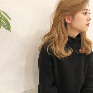 ナチュラル 簡単ヘアアレンジ アッシュベージュ ミルクティーベージュ ヘアスタイルや髪型の写真・画像