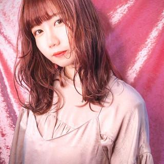 ピンク セミロング ピンクブラウン ガーリー ヘアスタイルや髪型の写真・画像