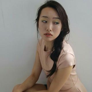 暗髪 ショート ヘアアレンジ 抜け感 ヘアスタイルや髪型の写真・画像