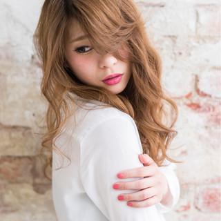 ロング ゆるふわ かわいい ナチュラル ヘアスタイルや髪型の写真・画像