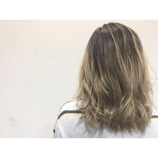ハイライト ブラウン ストリート ボブ ヘアスタイルや髪型の写真・画像