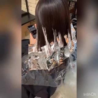 レイヤー セミロング ベージュ グラデーションカラー ヘアスタイルや髪型の写真・画像