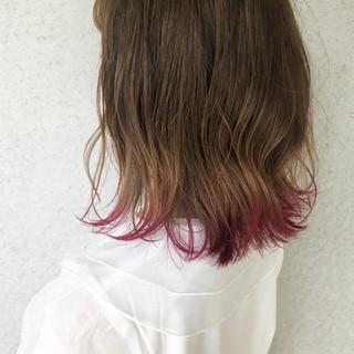 ミルクティーベージュ 切りっぱなしボブ 裾カラー ナチュラル ヘアスタイルや髪型の写真・画像