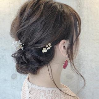 ナチュラル 結婚式ヘアアレンジ こなれ感 ミディアム ヘアスタイルや髪型の写真・画像