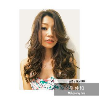 ロング グラマラス ナチュラル 愛され ヘアスタイルや髪型の写真・画像