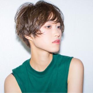 ニュアンス ショート 大人女子 小顔 ヘアスタイルや髪型の写真・画像