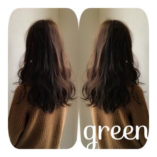 ガーリー フェミニン アッシュ セミロング ヘアスタイルや髪型の写真・画像