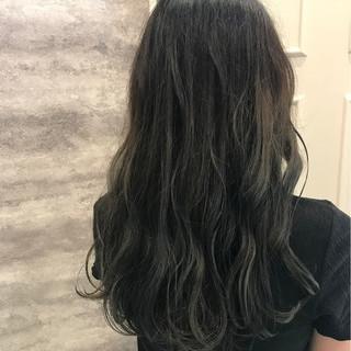 フェミニン イルミナカラー デート ブリーチ ヘアスタイルや髪型の写真・画像