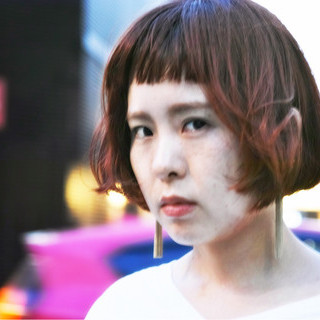 透明感 レッド ウェーブ アンニュイ ヘアスタイルや髪型の写真・画像